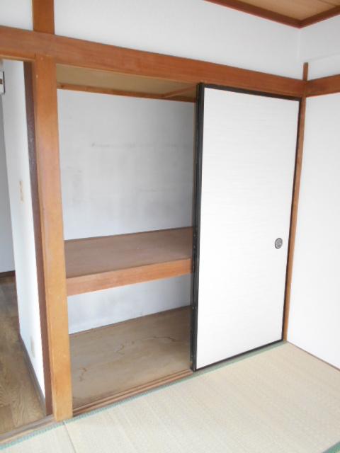 メゾン福嶋 2F号室の収納