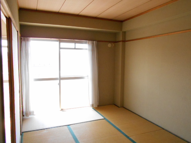 清水ハイツA 303号室の居室