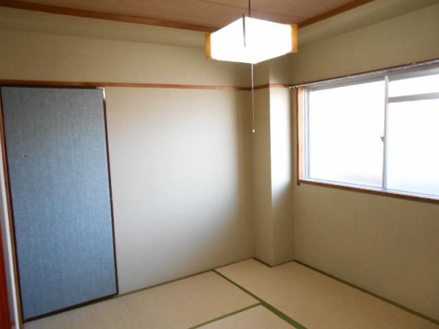 清水ハイツB 208号室の居室