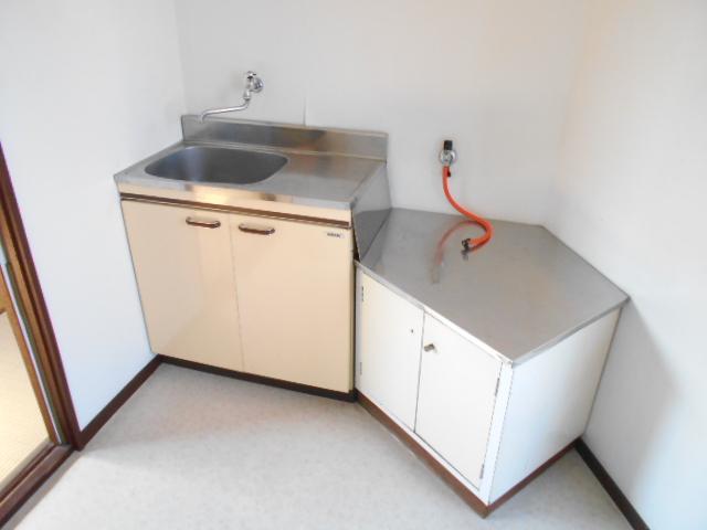 コブチコーポ 202号室のキッチン