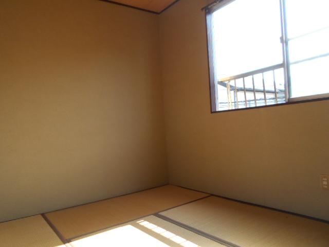 コブチコーポ 202号室のベッドルーム