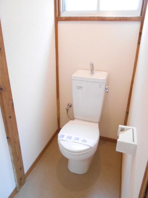 第2高橋アパ-ト 101号室のトイレ