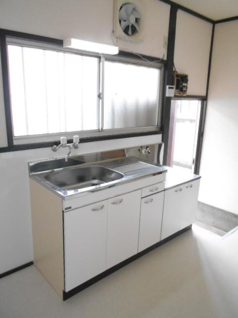 第2高橋アパ-ト 103号室のキッチン