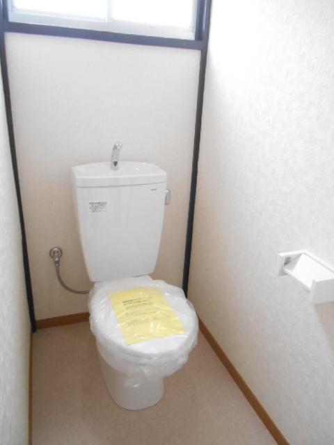 第2高橋アパ-ト 103号室のトイレ