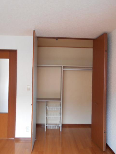 アヴニールⅠ 101号室の収納