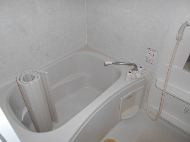 アヴニールⅠ 101号室の風呂