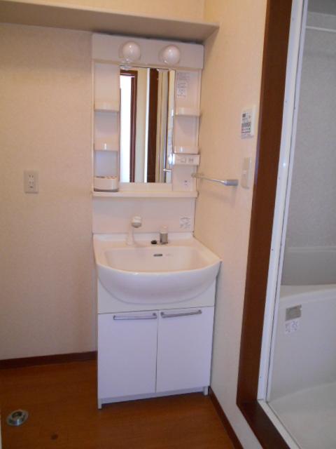 アヴニールⅠ 101号室の洗面所