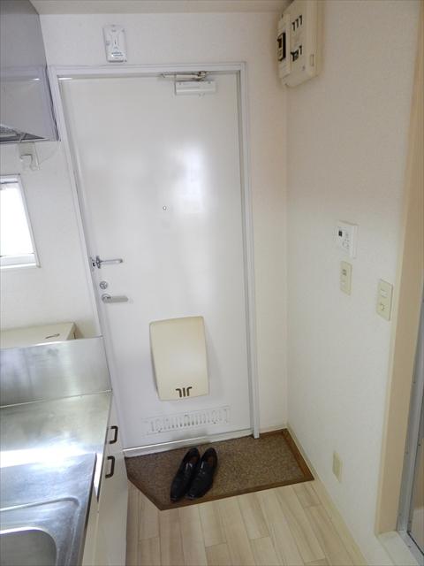 マブハイ春日部 202号室の玄関