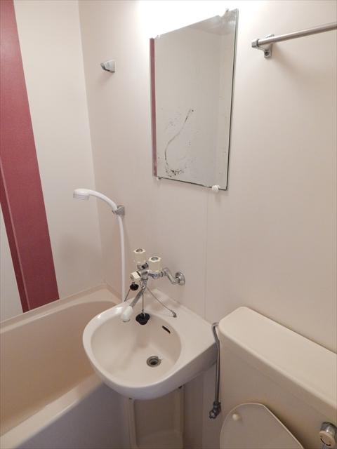 ベルピア姫宮第1 205号室の洗面所