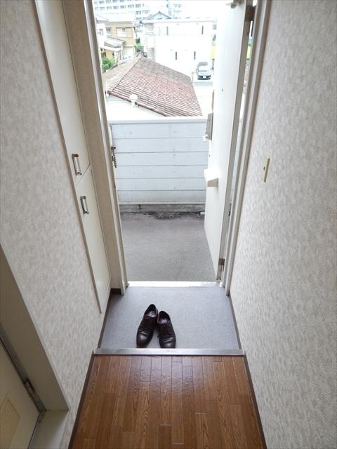 ベルピア姫宮第1 205号室の玄関