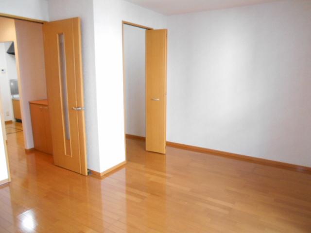 パークセントラル 105号室の居室