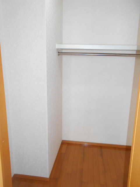 パークセントラル 105号室の収納