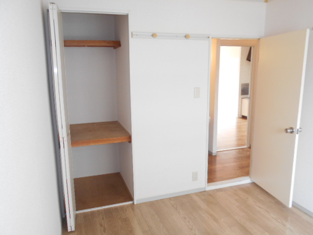 メゾンセピアC 201号室の収納