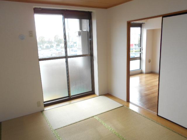 メゾンセピアC 201号室の居室