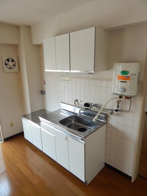 田口ビル 401号室のキッチン