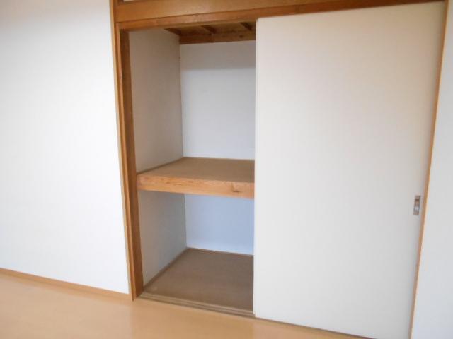 ハイツラフォーレ 201号室の収納