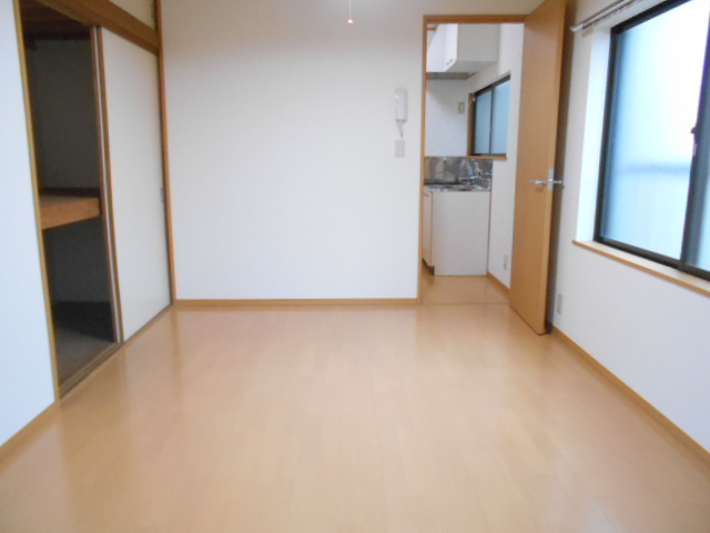 ハイツラフォーレ 201号室の居室