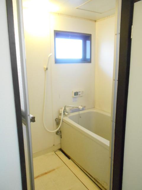 メゾン八木崎 101号室の風呂