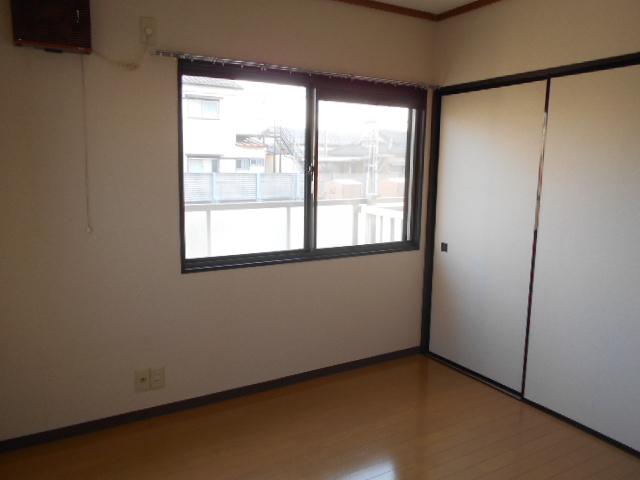 メゾン八木崎 101号室の居室