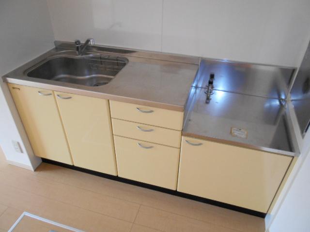 ディアコートA 102号室のキッチン