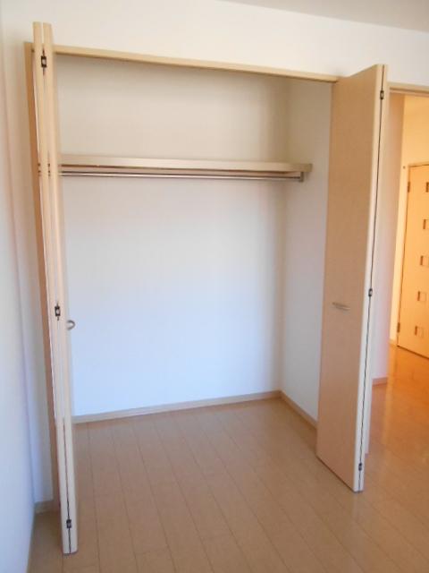 ディアコートB 201号室の収納