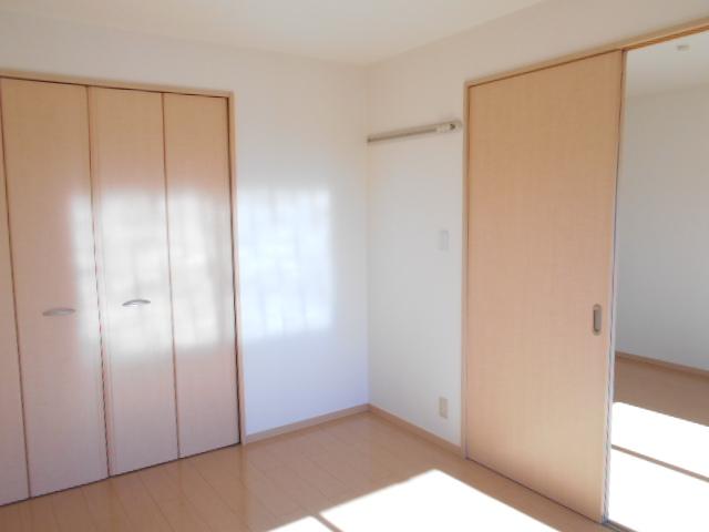 ディアコートB 201号室の居室