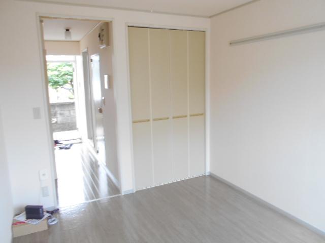 ピュアコート 壱番館 1-103号室の居室