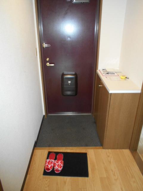 グランピア 302号室の玄関