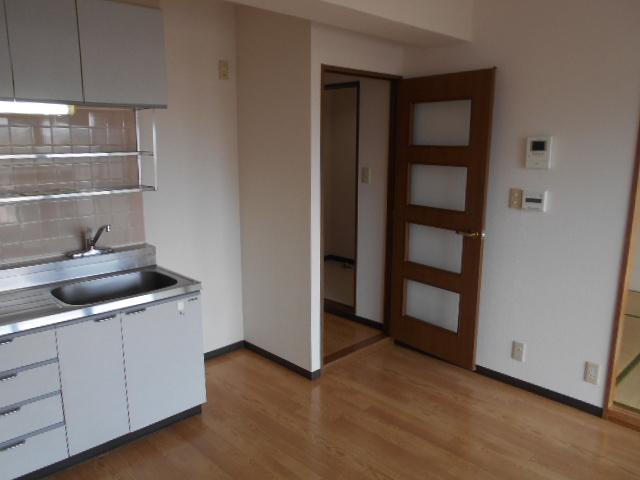 グランピア 302号室のキッチン