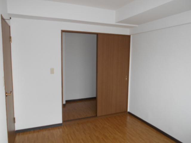 グランピア 302号室の収納