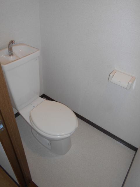 グランピア 302号室のトイレ