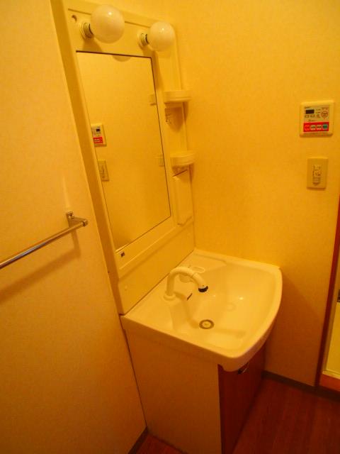 ボンヌール 102号室の洗面所