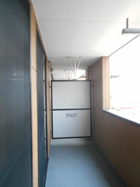 ボンヌール 202号室のバルコニー