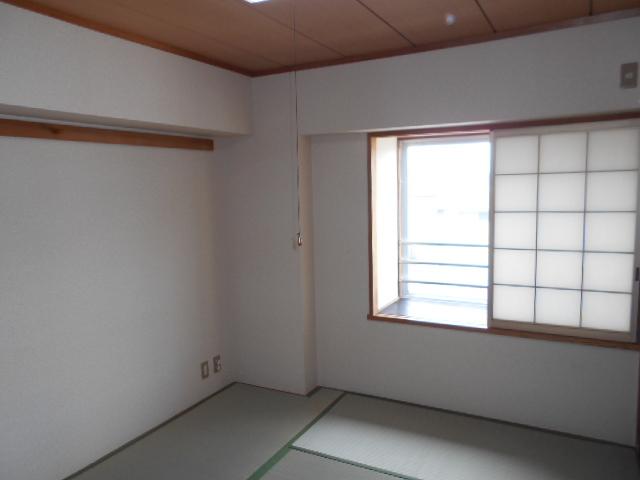 春日部ダイヤモンドマンション 302号室の居室