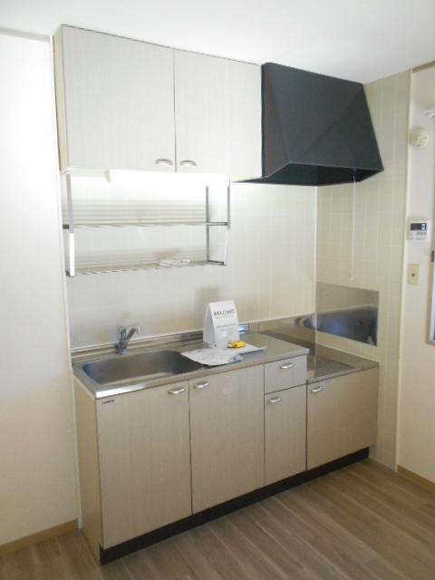 コスモスハイムⅡ 102号室のキッチン