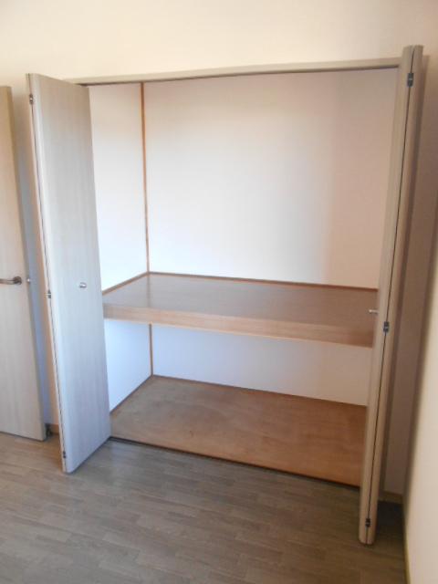 コスモスハイムⅡ 102号室の収納