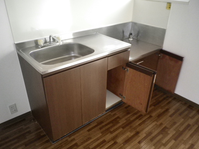クレスト中村 205号室のキッチン