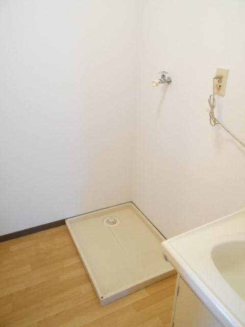 エスポアール中村C 101号室の洗面所