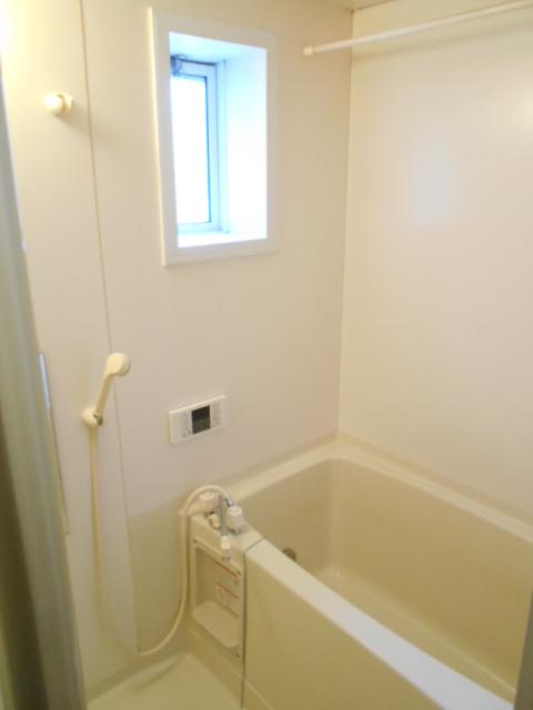 エスポアール中村C 101号室の風呂