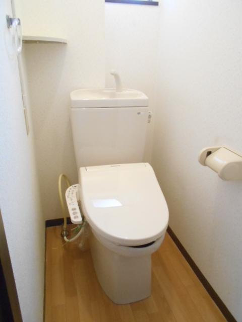 エスポアール中村C 101号室のトイレ