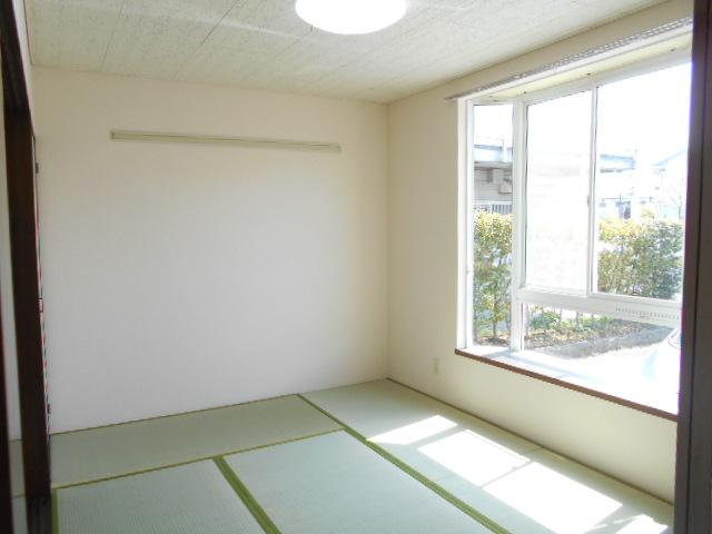 エスポアール中村C 101号室の居室