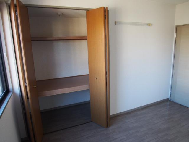 グリーンハウスⅢ 205号室の収納