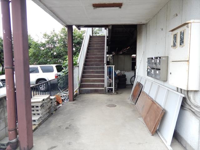 深井ビル 203号室の玄関