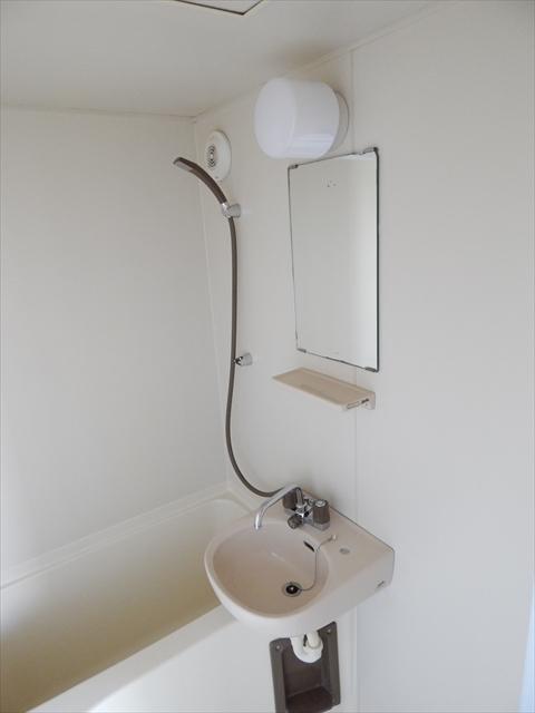 ジェイテラス豊春 201号室の洗面所