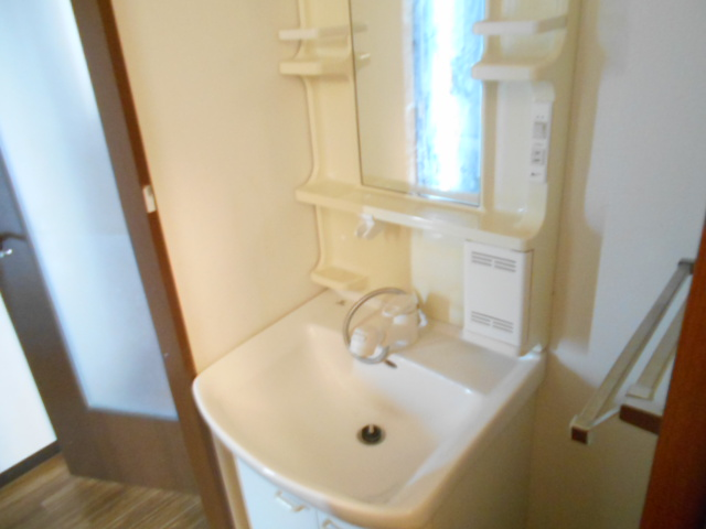 Annex Bの洗面所