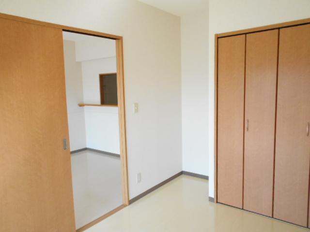 オリンピアヒルズ豊春 307号室の居室