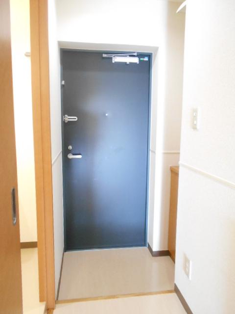 オリンピアヒルズ豊春 307号室の玄関