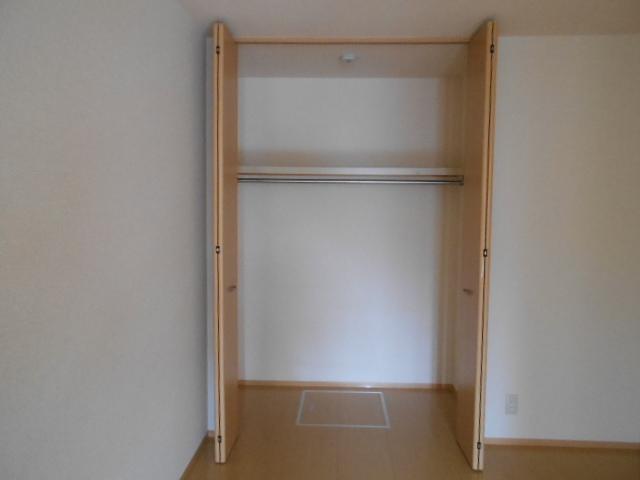 ヴィルヌーブⅢ 103号室の収納