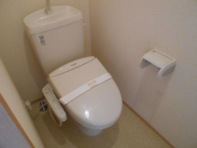 ヴィルヌーブⅢ 103号室のトイレ