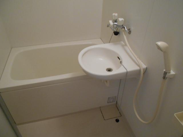 メゾン・ド・華 301号室の風呂